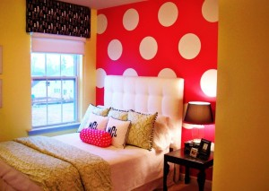 interior-cozy-bedroom-design-ideas-with-bright-colors-dotted-wallpaper-bright-colored-room-idea