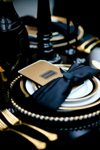 gold-black-place-setting