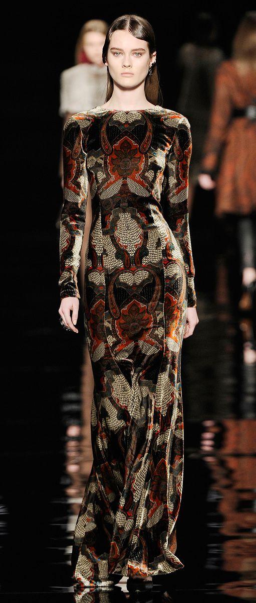 6179f3a1537100bd87d4ce336638491f--velvet-gown-velvet-dresses