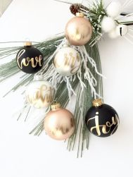 6e71332adde837eb6a819a0ae8f6deea--christmas-decor-modern-gold-christmas