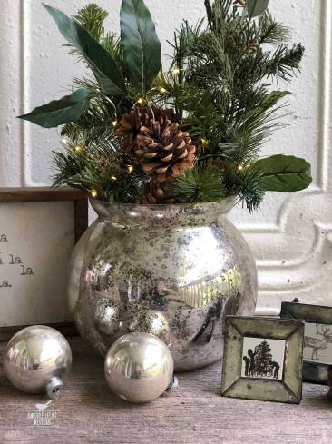 farmhouse-christmas-arrangement-1